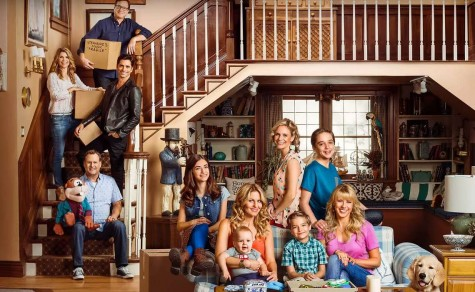 """""""Fuller House"""" Premieres to Fill Viewers Hearts"""