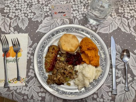My plate of fully vegan Thanksgiving fare. No rabbit food here.